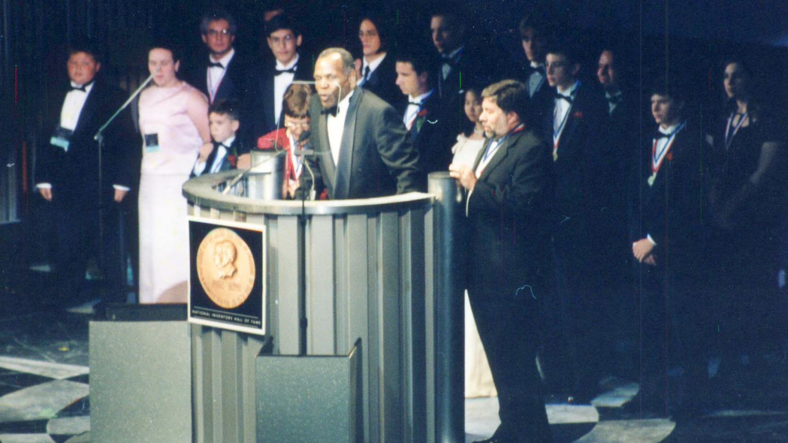 Danny Glover, Steve Wozniak, 2000 Induction of the National Gallery for America's Young Inventors